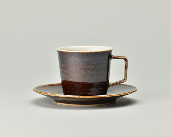 doppo陶器のコーヒーカップソーサー_あめ.jpg
