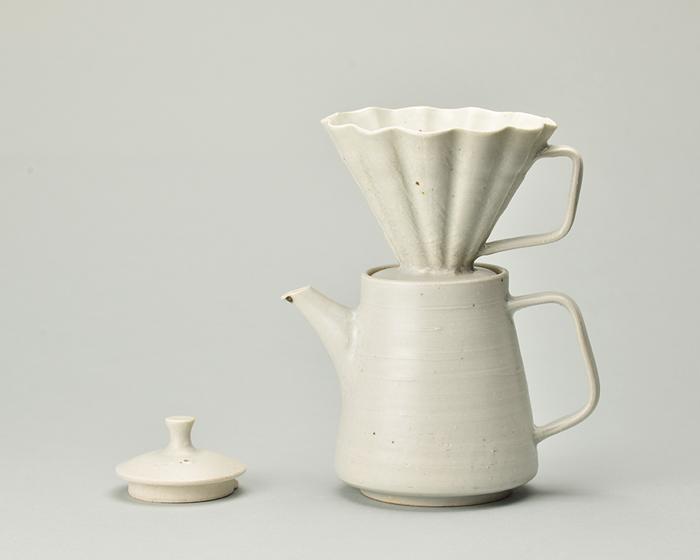 陶器コーヒーポット&ドリッパーセット_白.jpg