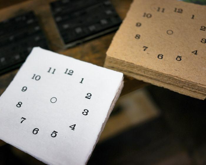 letter press clock 能登 二行和紙 活版印刷 DSC03438.jpg